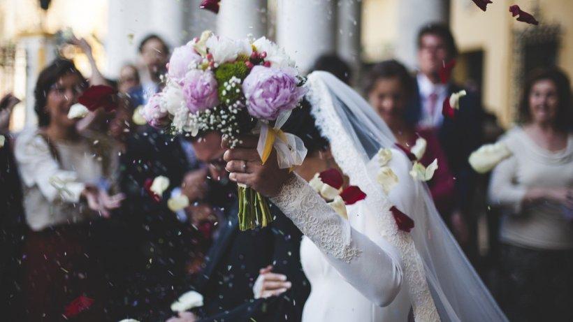 Coronacriza amână căsătoriile. În ce condiții se pot recupera banii de avans