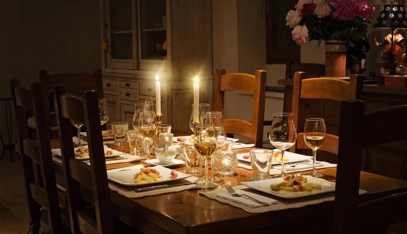 Pot să îmi vizitez părinţii sau prietenii şi să iau masa cu ei de Paşte? Răspunsul autorităților!