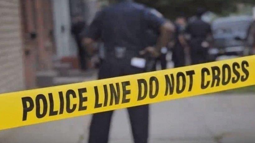 Atac armat cumplit. Cel puțin 16 persoane au murit după ce, un bărbat deghizat în polițist, a deschis focul