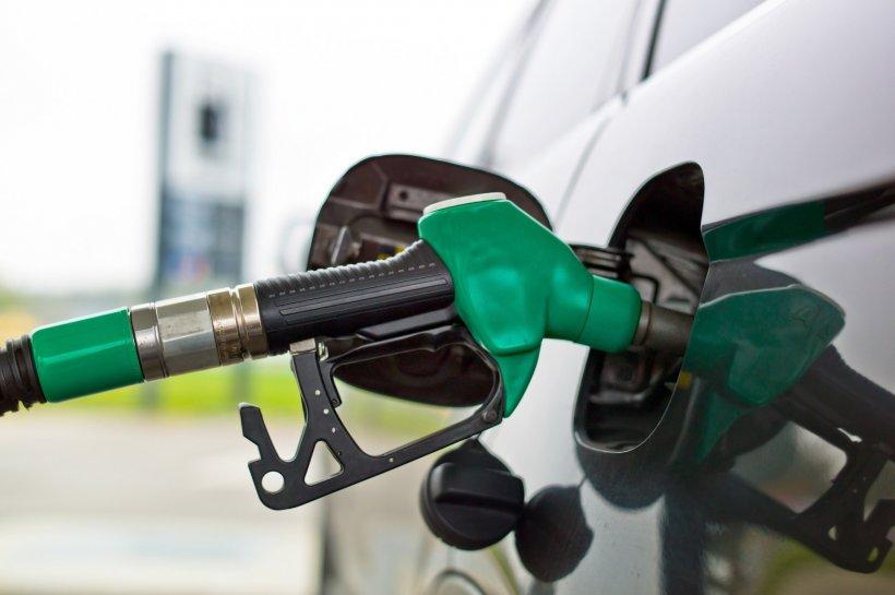 Prețul petrolului american, la cel mai mic nivel din ultimii 21 de ani
