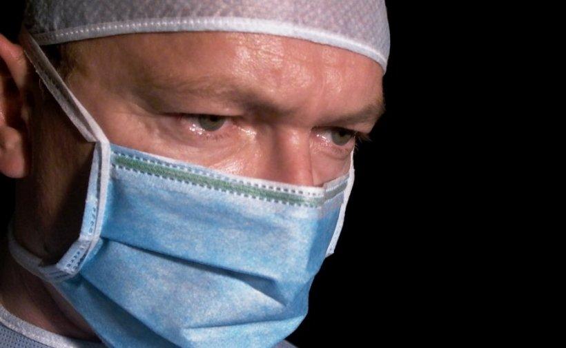 Un medic din Constanța care a operat o fetiță de 7 ani infectată cu COVID-19, mărturii sfâșietoare