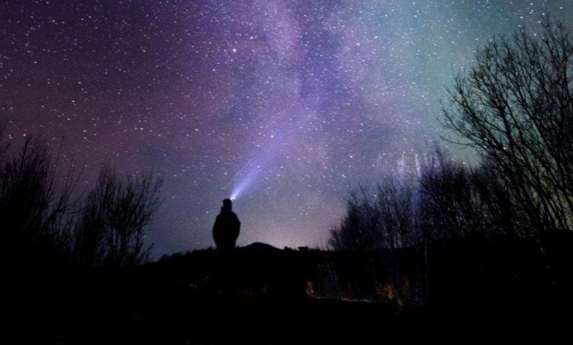 În următoarele două nopţi vor putea fi observate mai multe stele căzătoare. Trebuie doar să priviți spre cer