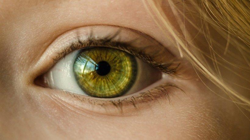 Ochii, o posibilă sursă de infectare cu COVID-19. Ce au descoperit cercetătorii