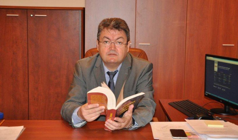 Rectorul Universităţii Bucureşti: Estimez că în iunie ne întoarcem la cursuri. Luăm în calcul inclusiv august