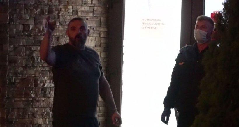 """Bărbat adus cu forța de jandarmi la un centru de carantină din Botoșani: """"Tot ce se face e abuziv"""""""