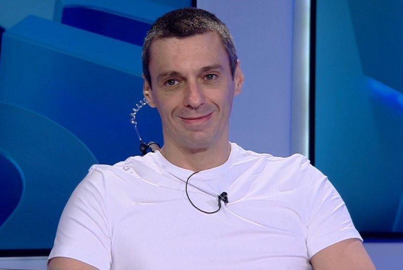 Mircea Badea povestește cum a luat decizia să se tundă singur