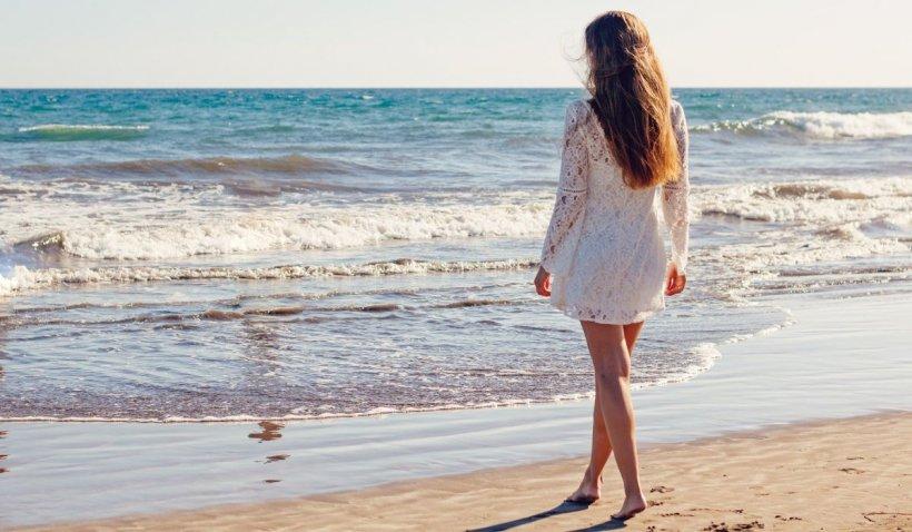 Pericol de contaminare de pe plajă și din apa mării. Ce spun medicii?