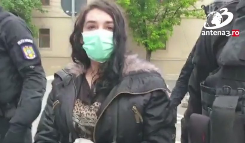 """""""Terorista"""" din Timișoara, acuzată de legături cu ISIS, a fost reținută: 'Dacă îmi place limba arabă, care e problema?'"""
