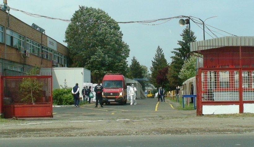 32 de muncitori de la fabrica Arctic, infectaţi cu coronavirus. O linie a companiei a fost deja închisă