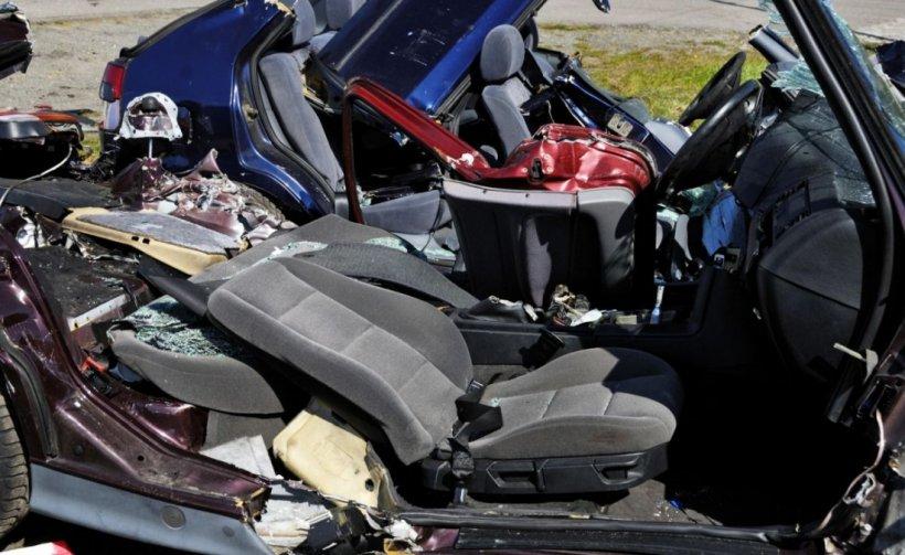 Patru persoane sunt rănite într-un accident la Mehedinți, iar circulația pe DN6 este îngreunată