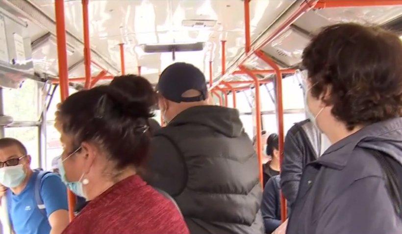 Tramvaiele din București, la fel de aglomerate ca înainte de pandemie (VIDEO)