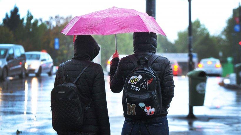 Vreme schimbătoare în București, de vineri până sâmbătă. Temperaturi scăzute și vânt puternic
