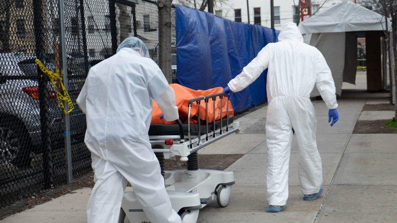 Specialiștii din SUA anunță că prognozele indică peste 100.000 de decese provocate de coronavirus până pe data de 1 iunie