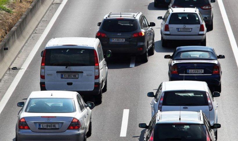 Trafic redus în primul weekend din starea de alertă pe principalele drumuri din țară; Se circulă greu pe Centura București