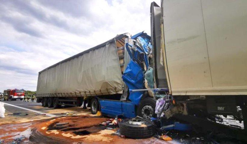 Șofer român de TIR, în stare critică după un teribil accident în Germania