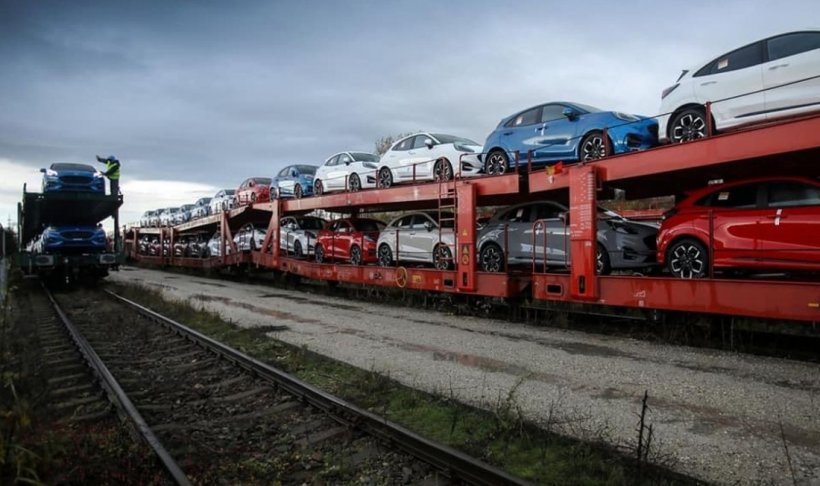 Ford reia munca în două schimburi la uzina de la Craiova