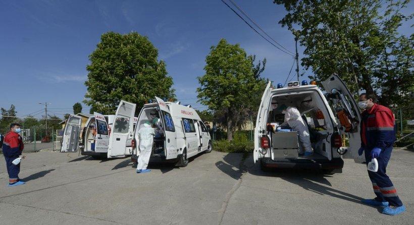 Medic român: Vin bolnavi ce nu pot fi preluaţi, paturile sunt pline, apar câte 13 ambulanţe odată. Nu mai putem rezista în acest ritm...