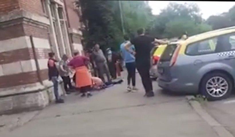 Revoltă în Râmnicu Sărat, după ce un taximetrist a murit pentru că ambulanța a ajuns cu întârziere