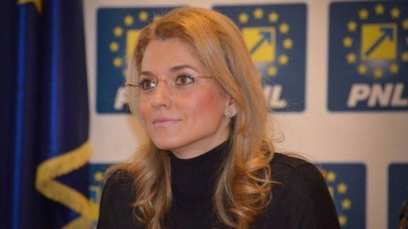 Alina Gorghiu: Ideea măștilor gratuite pentru populație va fi analizată joi de către Guvern
