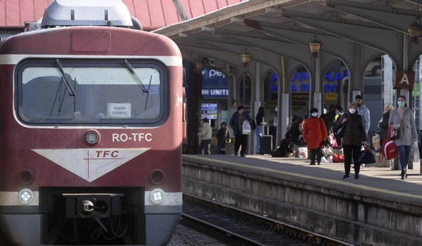 ANOSR: Elevii și studenții cer să-și poată lua bilete de tren online