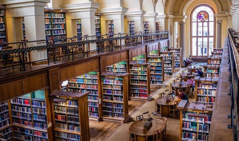 Una dintre cele mai prestigioase universități din lume își va desfășura cursurile online anul următor