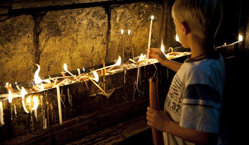 Detalii cutremurătoare în cazul fostului episcop al Hușilor: Sunt trei elevi minori violați