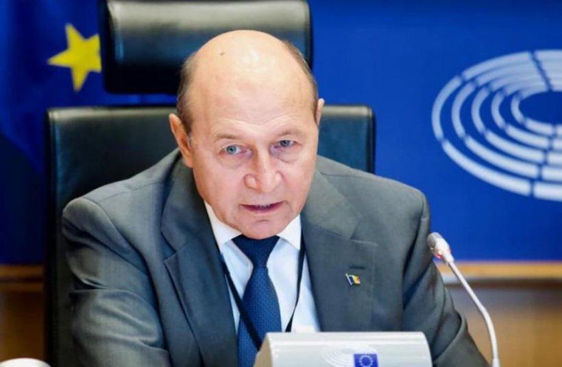 Traian Băsescu: Criza de acum e cu totul diferită față de cea din 2008-2010. Bani sunt gârlă. Motivul e lipsa de consum