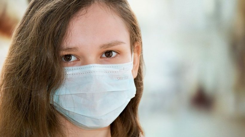 Medic de la Colentina, avertisment pentru români: Masca de protecţie, risc major pentru piele