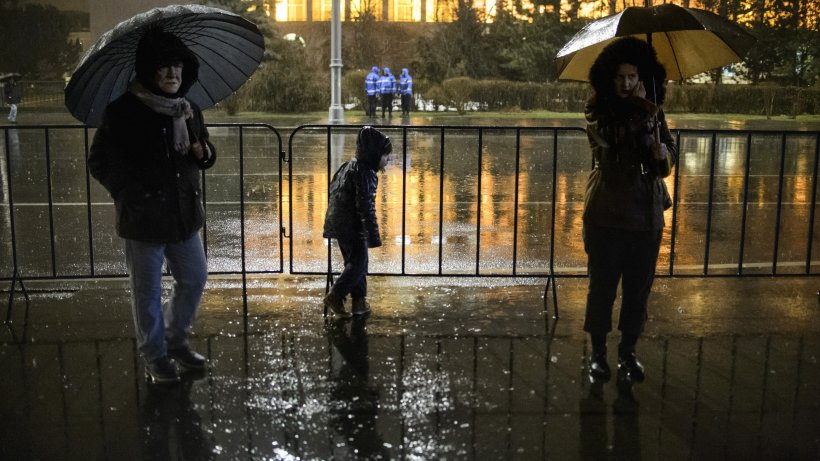 Val de frig în România. Vreme răcoroasă şi ploi între 25 mai și 22 iunie