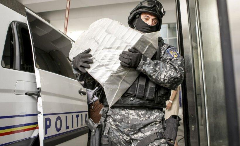 Aproape 50 kg heroină, descoperite la Dolj, în cabina unui camion condus un bulgar