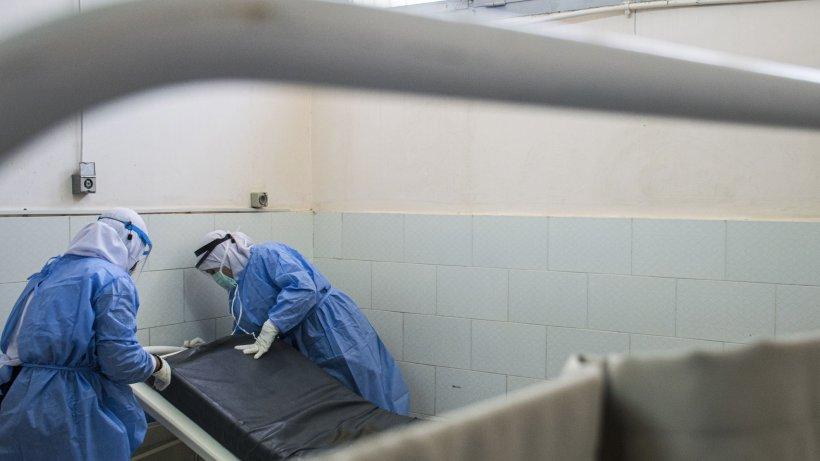 O tânără de 36 de ani a murit de coronavirus. Bilanţul deceselor ajunge la 1.193 de morţi