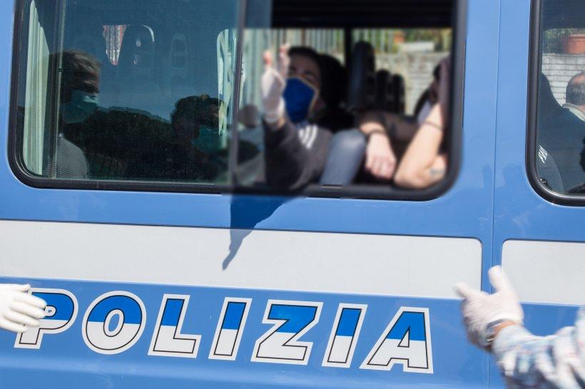 Doi frați români din Italia riscă închisoare pe viață. Ce au putut să facă