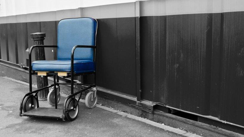 Agresorul femeii în scaun cu rotile a fost identificat și reținut
