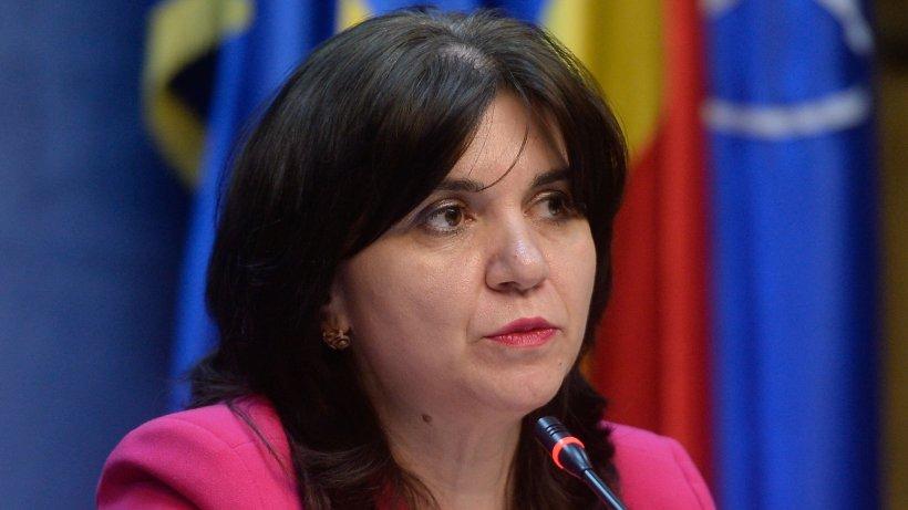 Monica Anisie, atac la adresa deputaților care au semnat moțiunea împotriva sa: 'Unde sunt cele 2,2 miliarde de lei promise acum doi ani pentru achiziţionarea de tablete?'