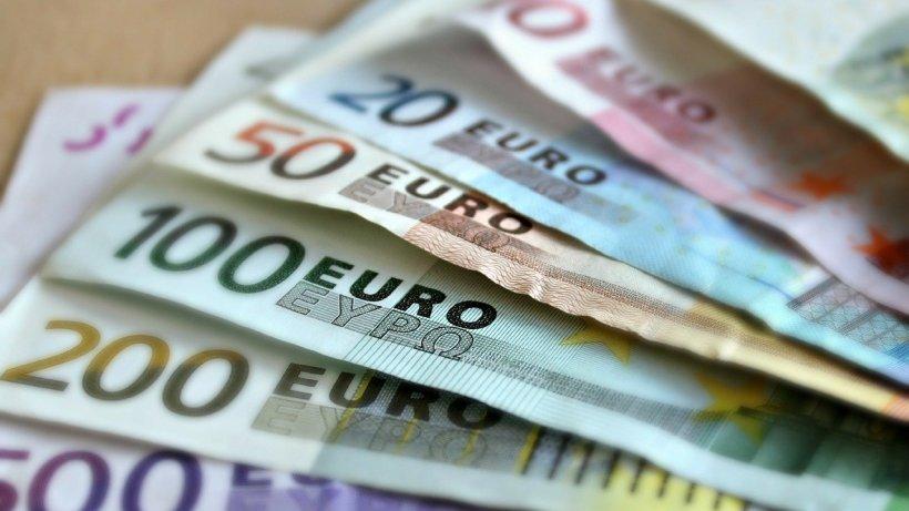 Europenii economisesc mai mult ca niciodată în contextul crizei financiare provocate de pandemie