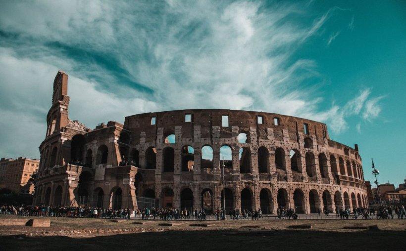 COVID-19 a ucis 33.072 de persoane în Italia. În total, 231.139 de cazuri pozitive