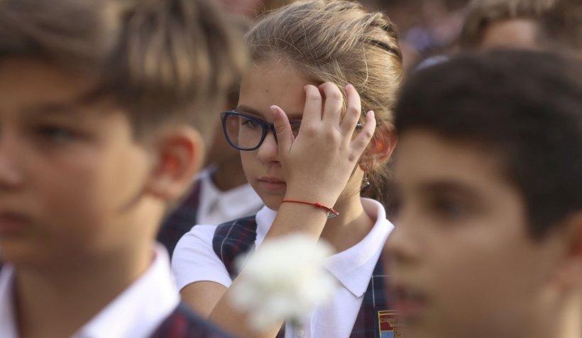 Elevii ar putea fi obligați să poarte uniformă și vor primi bani ca s-o cumpere - proiect