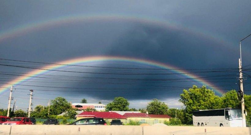 Curcubeu dublu în Bucuresti, după o furtună puternică - FOTO