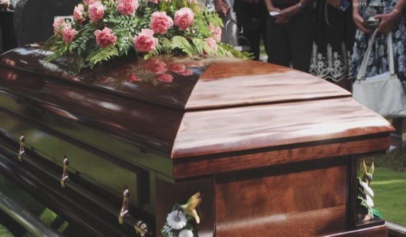 Tragedia decesului unei persoane dragi, amplificată în pandemia Covid-19 (P)