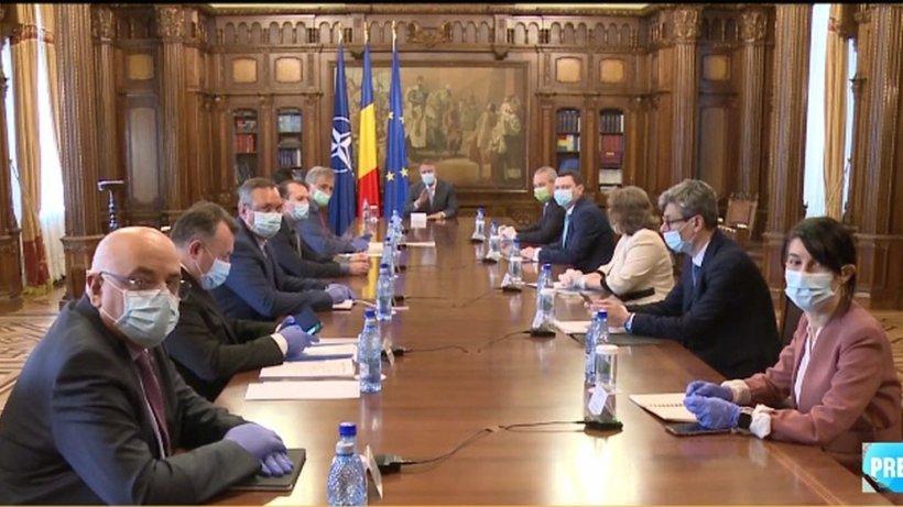 Klaus Iohannis îi cheamă în ședință pe premierul Ludovic Orban, dar și pe alți miniștri, pentru evaluarea măsurilor de gestionare a epidemiei COVID-19
