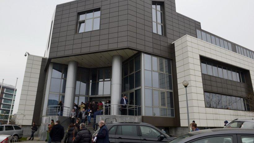 Bucureștenii se pot programa pentru examenul auto, de marți