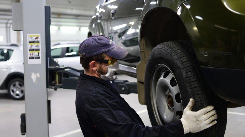 Renault renunță la mii de angajați în toată lumea și suspendă dezvoltarea în România