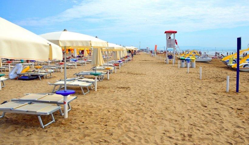 Numărul rezervărilor pe litoralul românesc s-a triplat, la doar o zi după ce Iohannis a anunțat redeschiderea plajelor