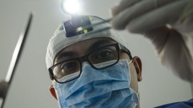 Sfat de sănătate: Ce este o urgență stomatologică și care sunt noile reguli în cabinete