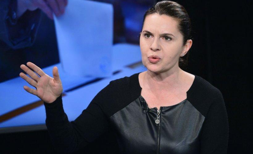 Adriana Săftoiu (PNL), despre poza cu Orban: Îmi place scuza că toţi suntem oameni. Dar nu suntem egali