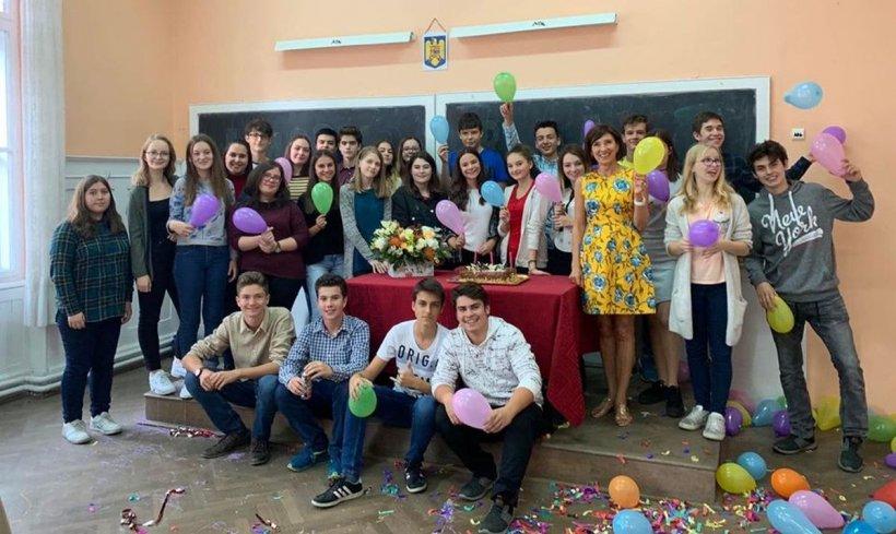"""Carmen Iohannis, mesaj pentru elevii săi de 1 iunie: """"O copilărie fericită! La mulți ani!"""""""