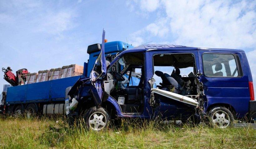 Microbuz cu români, accident cu cinci morți pe o șosea din Ungaria