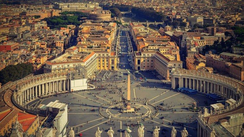 Papa Francisc a adoptat o lege fără precedent la Vatican