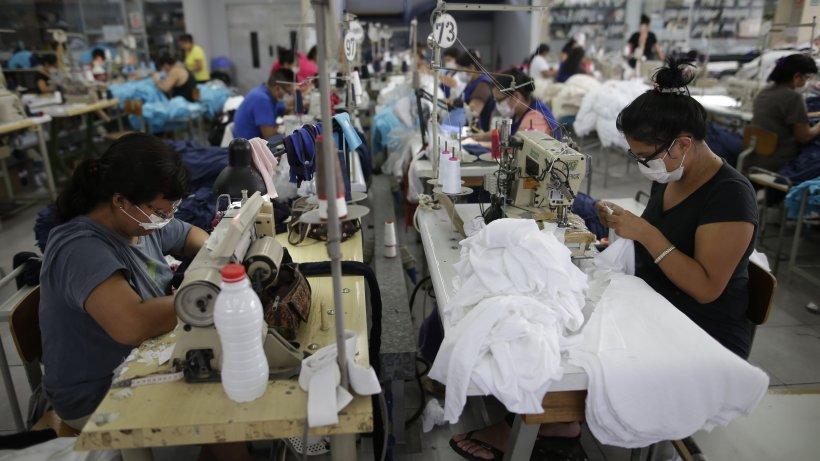 Fabrică de pantaloni închisă din cauza pandemiei de coronavirus