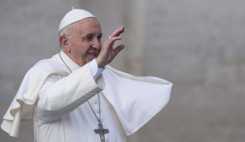 Statuie pentru Papa Francisc, în București